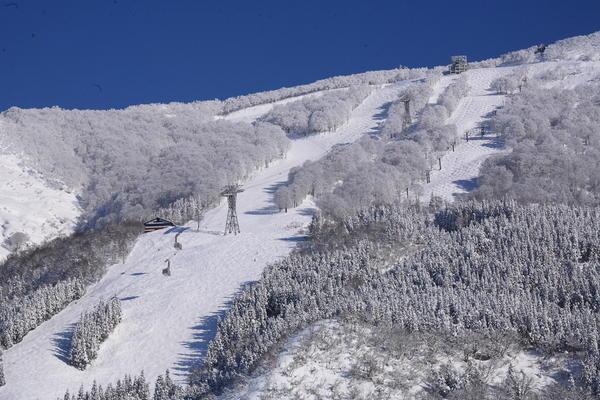 Muikamachi Hakkaisan Snow Resort
